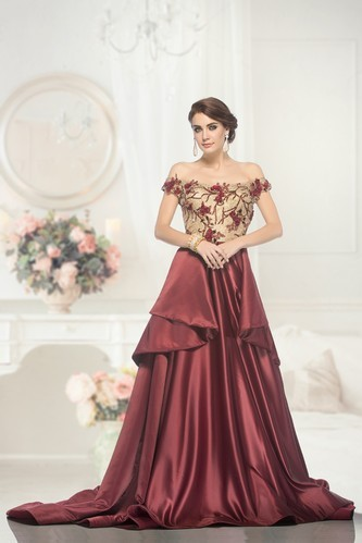 Partywear Gown - Evening Gown Manufacturer from New Delhi
