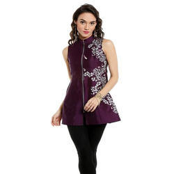 Ira-Soleil-Sleeveless-Short-Kurti-With-Metal-Zip-And-Silver