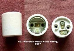 Porcelain E27 Berral Type Lamp Holder BE07