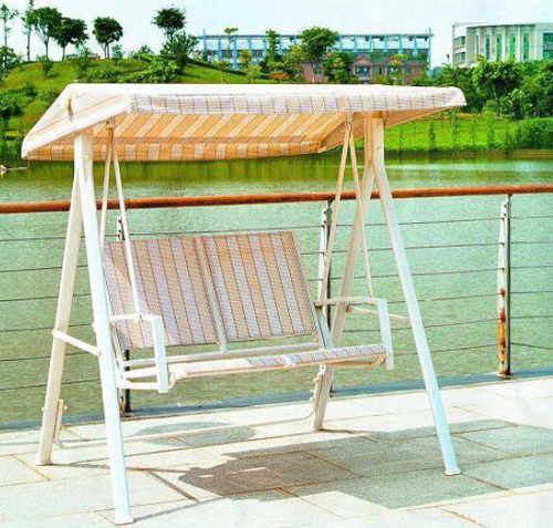 Garden swing wooden swing manufacturer from mumbai for Garden jhoola designs