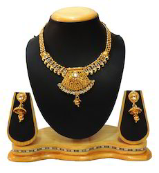 Traditional Golden Neck Fit Necklace Set