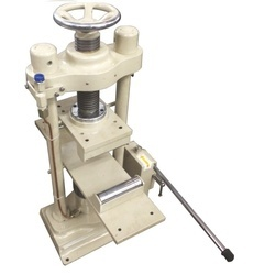 Hand Operated Flexural Testing