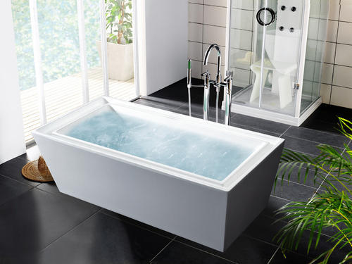 white rectangular bath tubs