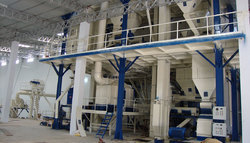 Semi Automatic Cattle Pallet Feed Plant
