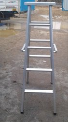 Self Support With Movable Ladder