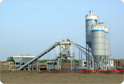 Self Loading Concrete Batching Plant