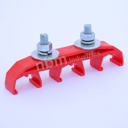 3 Pole Hanger Clamp for Bolt Joint Shrouded Busbar