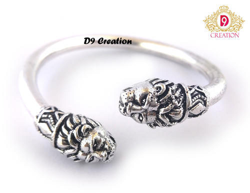 05bf947392f8 Silver Plated Lion Face Kada