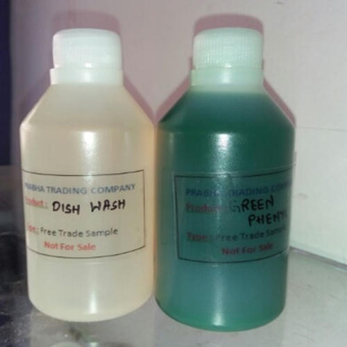 Green Phenyl Concentrate, Packaging Type: Bottle