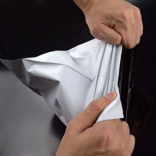 White & Black 8 X 10 Pod Printed Courier Bags, Size: Min 4x6, Max 20x23