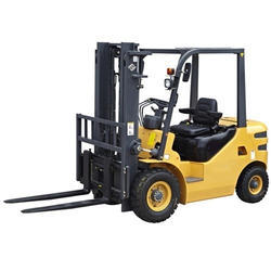 2 Ton Diesel Forklift Rental Service