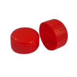 红色塑料帽,冰箱瓶和矿泉水