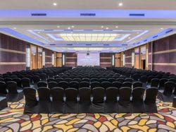Conference Hall Organise Services, Seating Capacity: 400