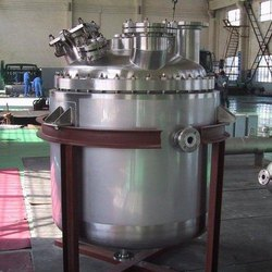 Stainless Steel Chemical Reactors, Capacity: >3 Kl