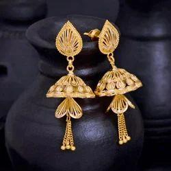 Ladies Designer Gold Earring