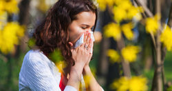 Getting rid of allergies naturally: A look at alternative options for treatment