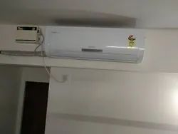 White Voltas Split Air Conditioner, Voltage: 240-340 V