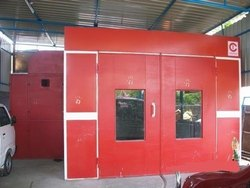 Liquid paint booth