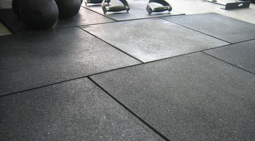 Rubber Gym Floor Tiles Size 20 X 20 Inch Rs 75 Square