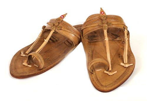 9b773d2877be Leather Kolhapuri Chappal For Men, Rs 650 /pair, Yashodi Export ...