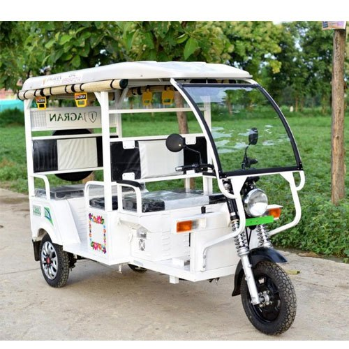 White Jagran Deluxe X1 Electric Rickshaw, Vehicle Capacity: 4+1