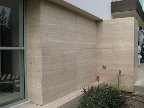 Beige Travertine For Wall Cladding 15 20 Mm Rs 235