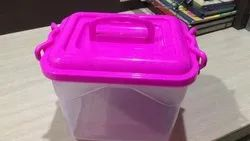 Transparent Plain Plastic Container Lockable With Handle, Capacity: 5.5 Lit /5.5 Kg, 8x8'x7