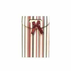 Printed Designer Gift Paper Bag, Ediable, Capacity: 1-5 Kg