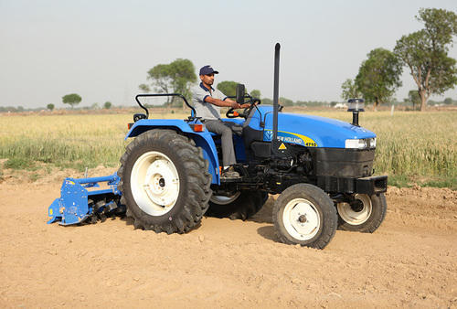 New Holland 4710 Tractor