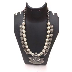 Antique Necklace Set, Packaging Type: Box