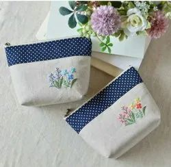 Available Printed Cotton Ladies Hand Bags, Size/Dimension: Medium