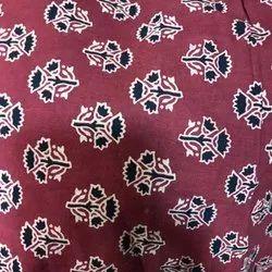 44-45 gamthi Hand Block Cotton Fabric, For kurtis suit, GSM: 50-100
