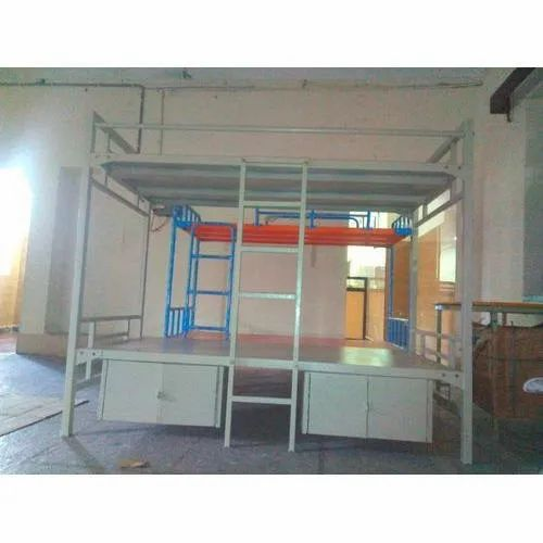 Iron Cot Bunk Bed for Hostel, Size: 6.5 Feet (Height)