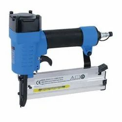 Techno 1.4 Kg Pneumatic Stapler and Clinching Tool, Air Pressure: 50-100 psi