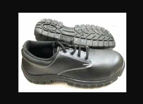 b117b4f26d13 Black PVC Safety Shoes