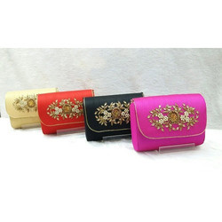 Handwork Box Clutch