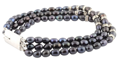 Black Pearl Bracelet- An Epitome of Magical Magnificence