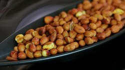 Salty Roasted Peanute, Packaging Size: 100 Grams, Packaging Type: Packets