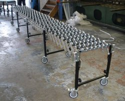 Flexible Gravity Roller Conveyor System