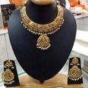 Golden Ladies Party Wear Necklace Set, Packaging Type: Box