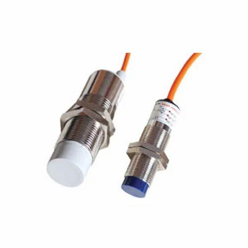 Capacitive Sensor, Proximity Capacitive Sensor, कैपेसिटिव सेंसर, कैपेसिटिव  संवेदक - Avanzar Automations, Gurgaon | ID: 12250779473