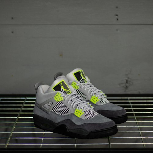 Jordan Retro 4 Mens Shoes at Rs 3000