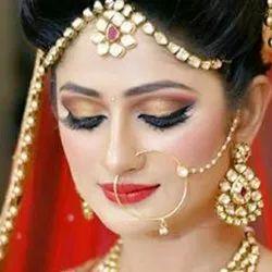 10.7 Women Aisha makeup artist online home service