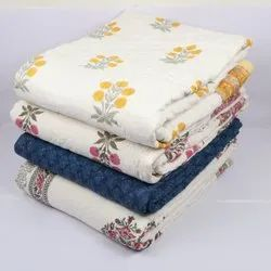 Feeding Cotton Printed Razai Quilt