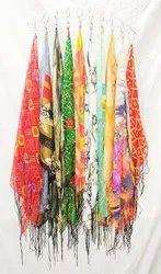 1米带流苏的女性三角围巾