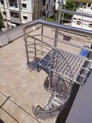 Spiral Stairs Stainless Steel Staircase, For Home