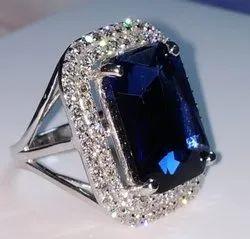 Exclusive CVD Diamond Jewellery Diamond Ring Sapphire Ring, Weight: 20gm