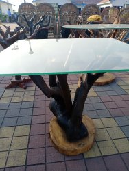 Brown Wooden Tea Table With Tea Plant Without Glass, Size: 30x30x30 Inch