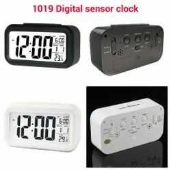 Digital clock 1019