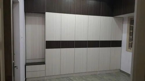 Plywood And Mica Laminates Wooden Wardrobe For Bedroom Rs 980 Square Feet Id 22549979630